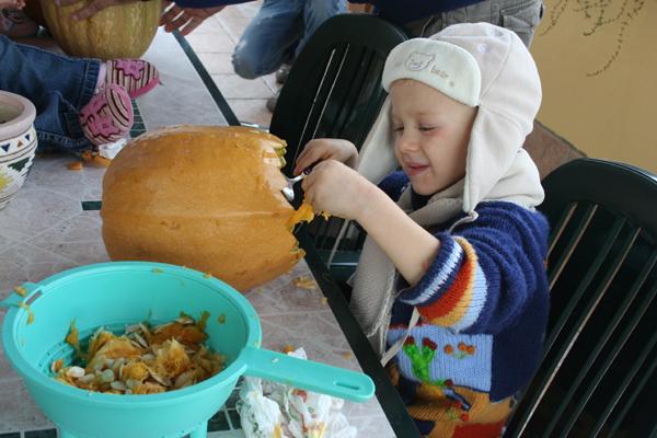 Halloween fai da te decoriamo le zucche eco eco for Zucca di halloween fai da te