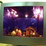 Natale fai da te: il presepe nel monitor del vecchio pc!